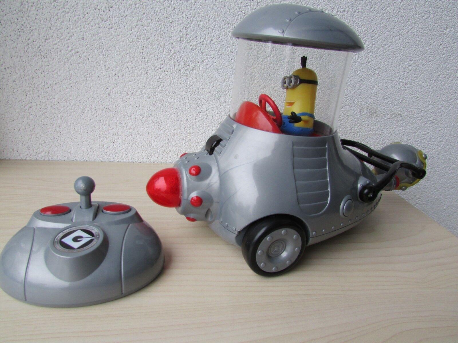 Despicable Me 2 Remote Control Minion Mobile Thinkway Toys DM2 RC Car (V.G.C.)