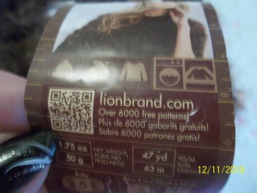 Lot 7717 Color #200~ RED FOX ~ Gorgeous ~ Lion Brand Pelt Novelty Yarn 321