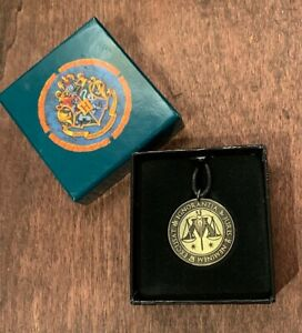 """Harry Potter Necklace 18"""" Medallion Ministry of Magic ..."""