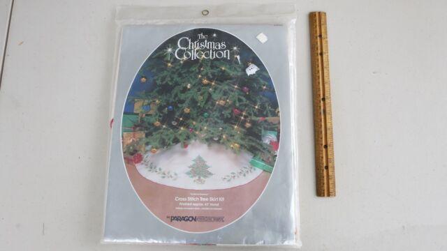 "NIP Vintage 1983 Paragon #6446 "" Christmas Greenery"" Cross Tree Skirt Kit"