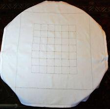 Nappe fil de lin ajouré 1m13 x 1m07 pour table ronde ou carrée