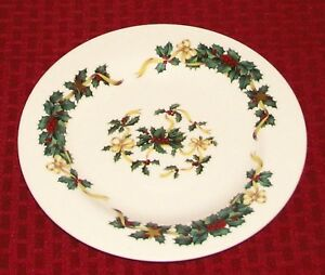 Royal-Vale-England-Christmas-Holly-Berries-Gold-Stars-amp-Ribbons-8-034-Plate-VGD