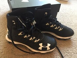 best choice exquisite style first look NEW UNDER ARMOUR UA RENEGADE RM JR. Youth Boys Football Cleats ...