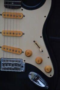 Alte-Gitarre-E-Gitarre