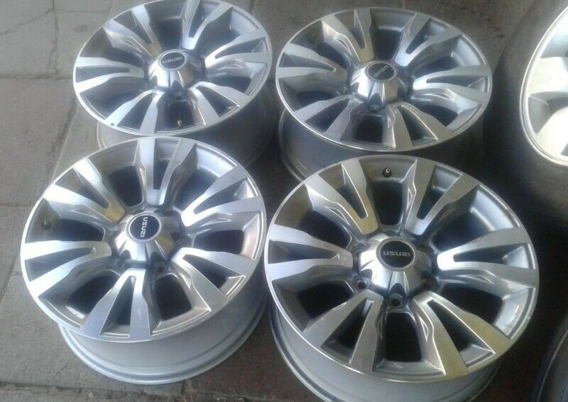 18inch Isuzu X-Rider original mags set for R7000.