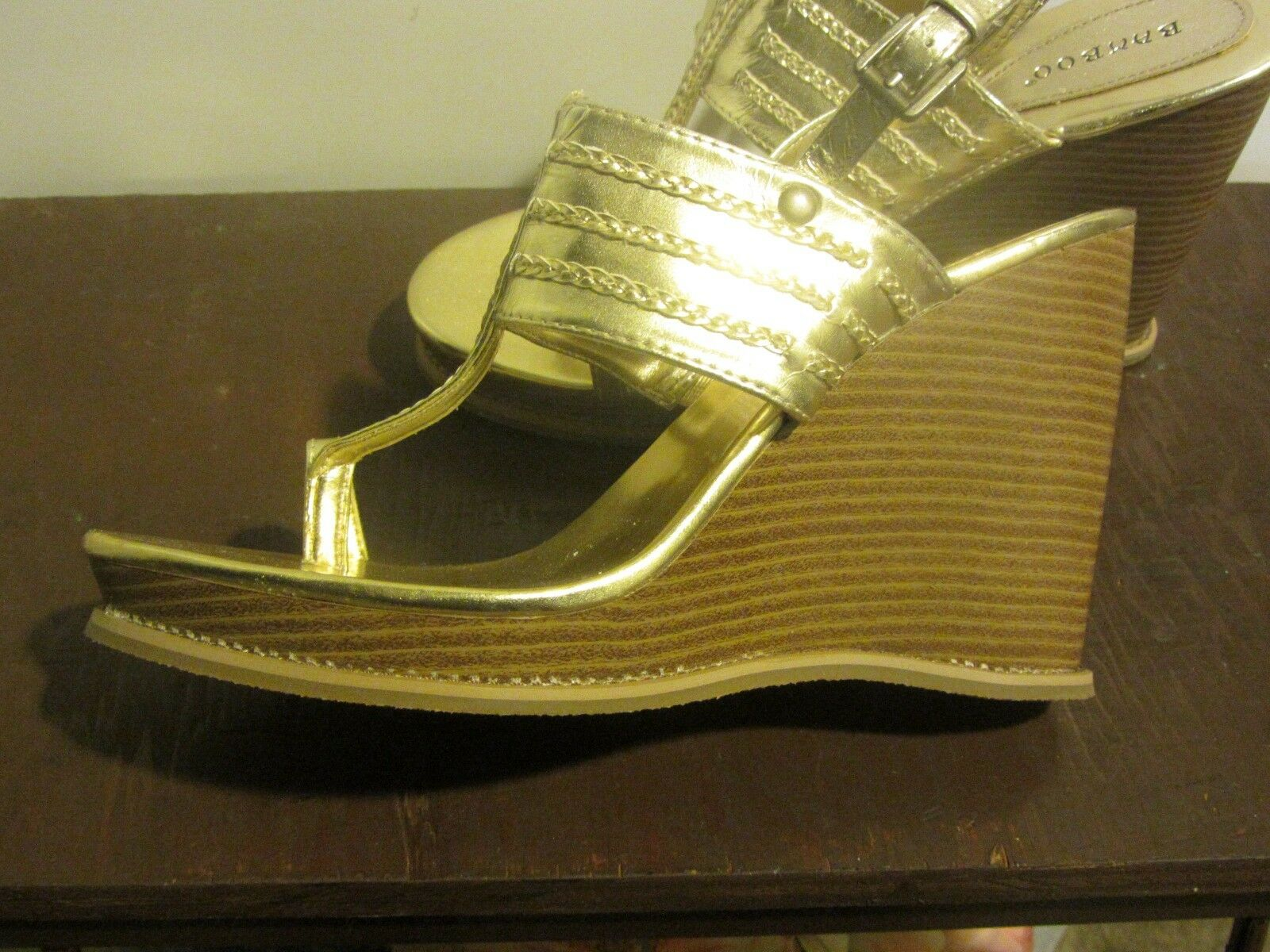 Bamboo Gold Toe Thong Wedges 10 Size 10 Wedges 9c4c24