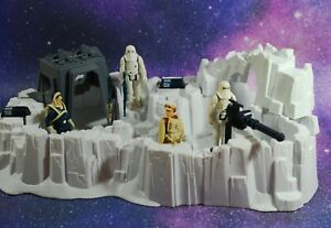 VINTAGE-Star-Wars-COMPLETE-HOTH-IMPERIAL-ATTACK-BASE-FIGURES-PLAYSET-KENNER