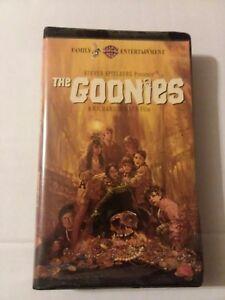 The Goonies Vhs 1985 Clam Shell Rare 85391327530 Ebay