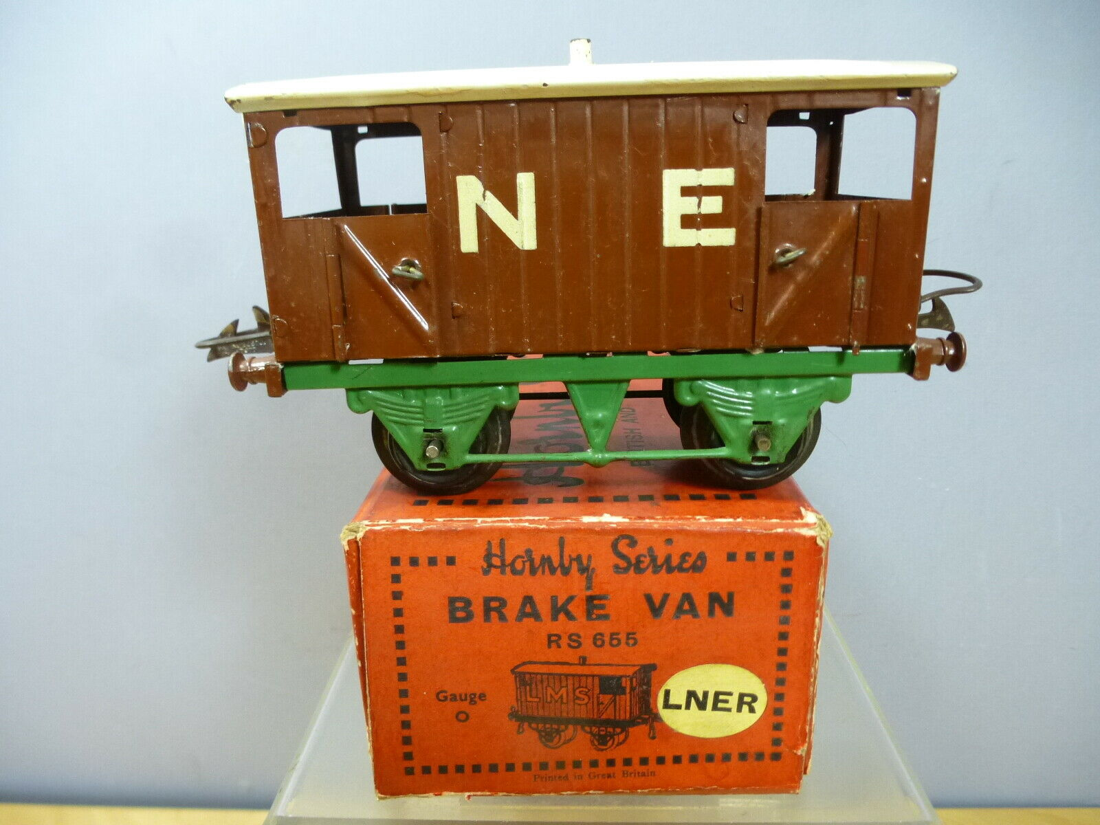 VINTAGE HORNBY '0' GAUGE MODEL No.1   NE  BRAKE VAN (verde CHASSIS) MIB