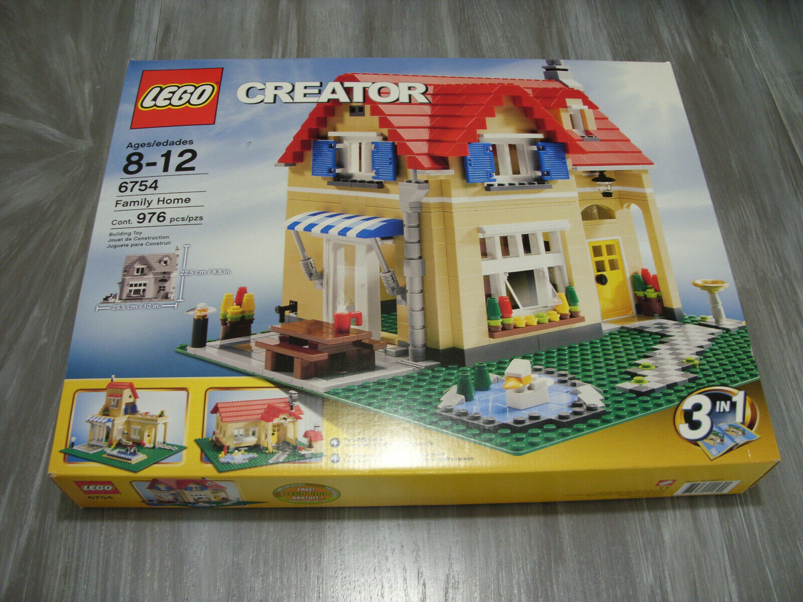 Lego Creator Family House NEW & Sealed  976 Pieces