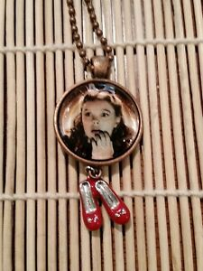 Wizard-of-Oz-Dorothy-Copper-and-Glass-Pendant-Necklace-w-shoes-charm-US-Seller