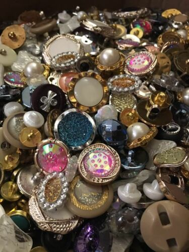 Mixed Buttons Shell Metal Wood Bead Fastening Scrapbooking Sewing Craft Kniting