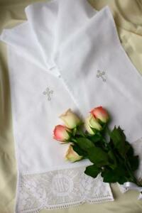 Taufkleid Name und Datum Taufschal mit Stickerei weiss Baumwolle