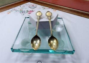 """2 VINTAGE KING GEORGE V SILVER JUBILEE SILVER PLATED 4 3/4"""" SPOONS 1935"""