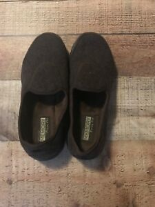 Skechers-brown-memory-form-fit-loafer-size-7
