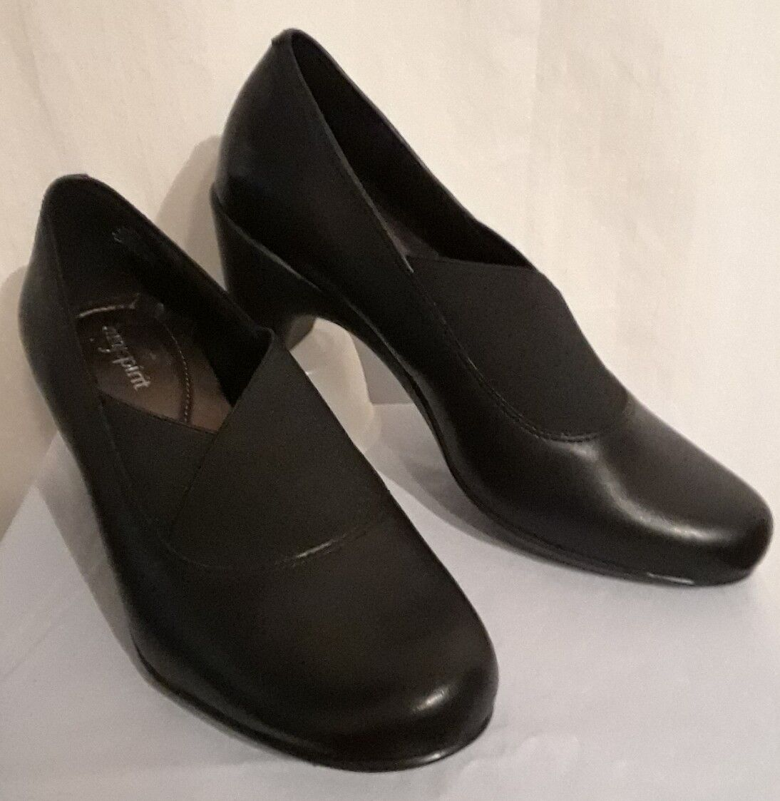 NWB Easy Spirit Catava Slip On Black Leather Medium Heel Pump shoes size 7.5