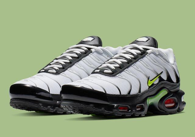 Nike Air Max Plus SE White Volt Black AJ2013 100 Running Shoes Men's Size 8, 8.5