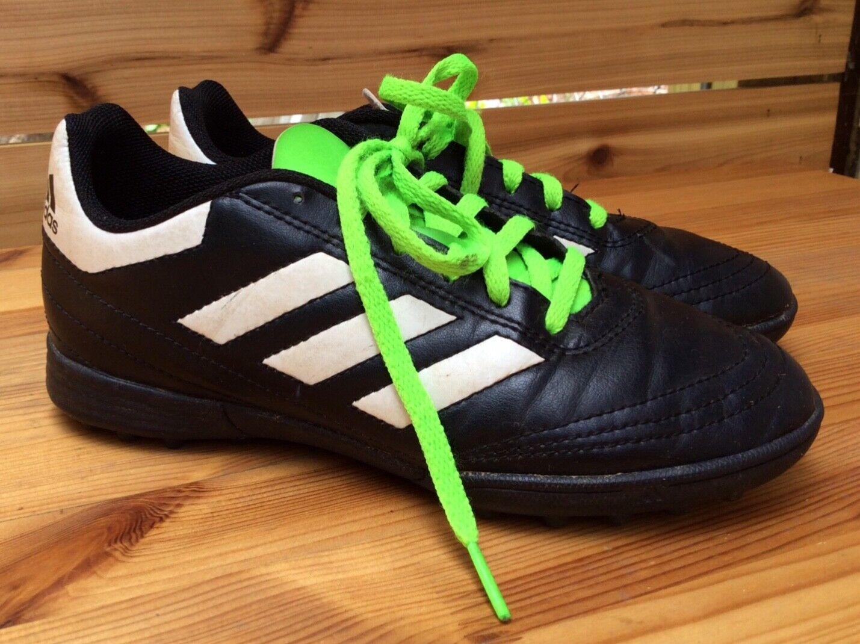 Купить Adidas kids size 3.5 indoor turf
