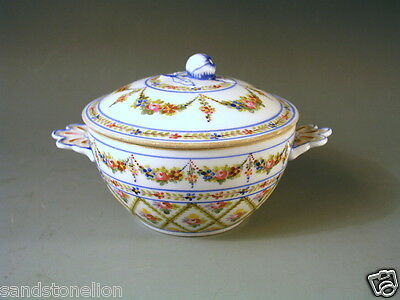 STUNNING ANTIQUE FRENCH 18th CENTURY SEVRES PORCELAIN COVERED SUGAR BOWL