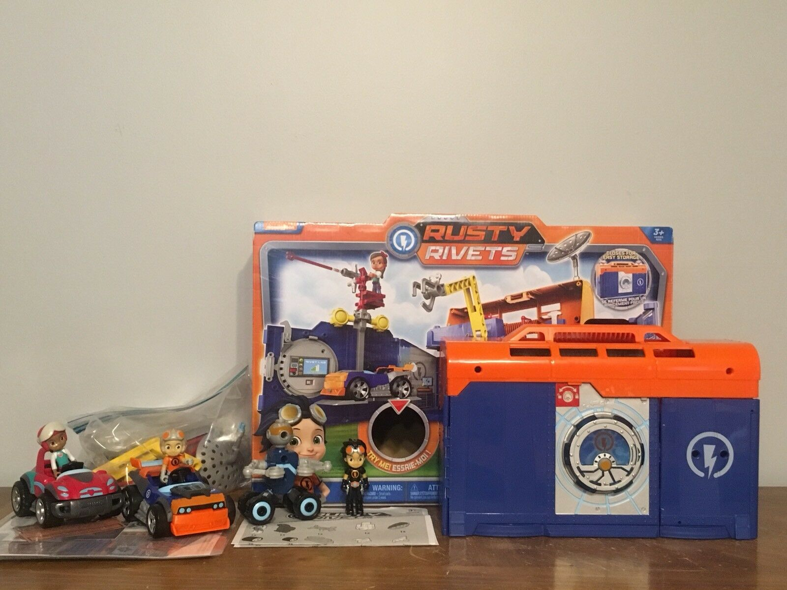 Rusty Rivets - Rivet Lab Playset - Toys R Us Exclusive Preowned With Extras