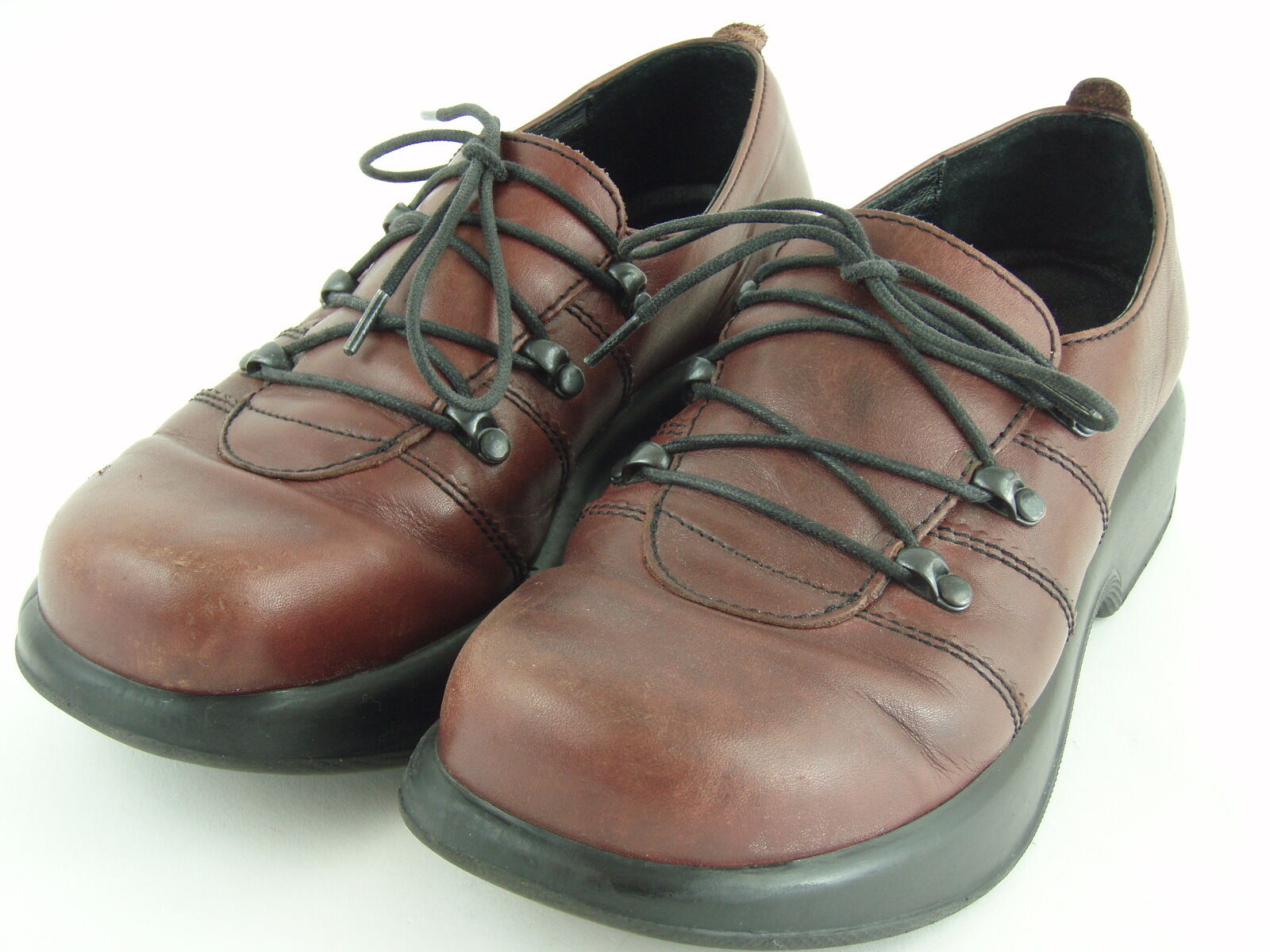 DANSKO Brown Leather Oxford Lace Up shoes - Women's 9 US or 39 EUR - EUC