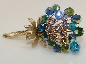 Vendome-high-end-vintage-1950s-gold-plated-brooch-floral-and-feminine