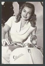 Ester Williams su Vespa Piaggio - riproduz. di foto d'epoca - Aut. Piaggio