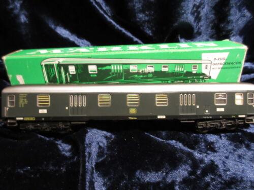 1 von 1 - Märklin H0 4044 D-Zug-Gepäckwagen der DB, grün