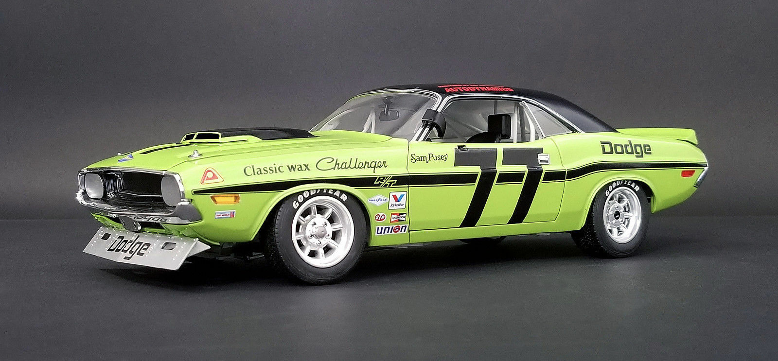 ACME 1970 Dodge Challenger Sam Posey Trans AM 1 18  A1806001 New ItemNICE