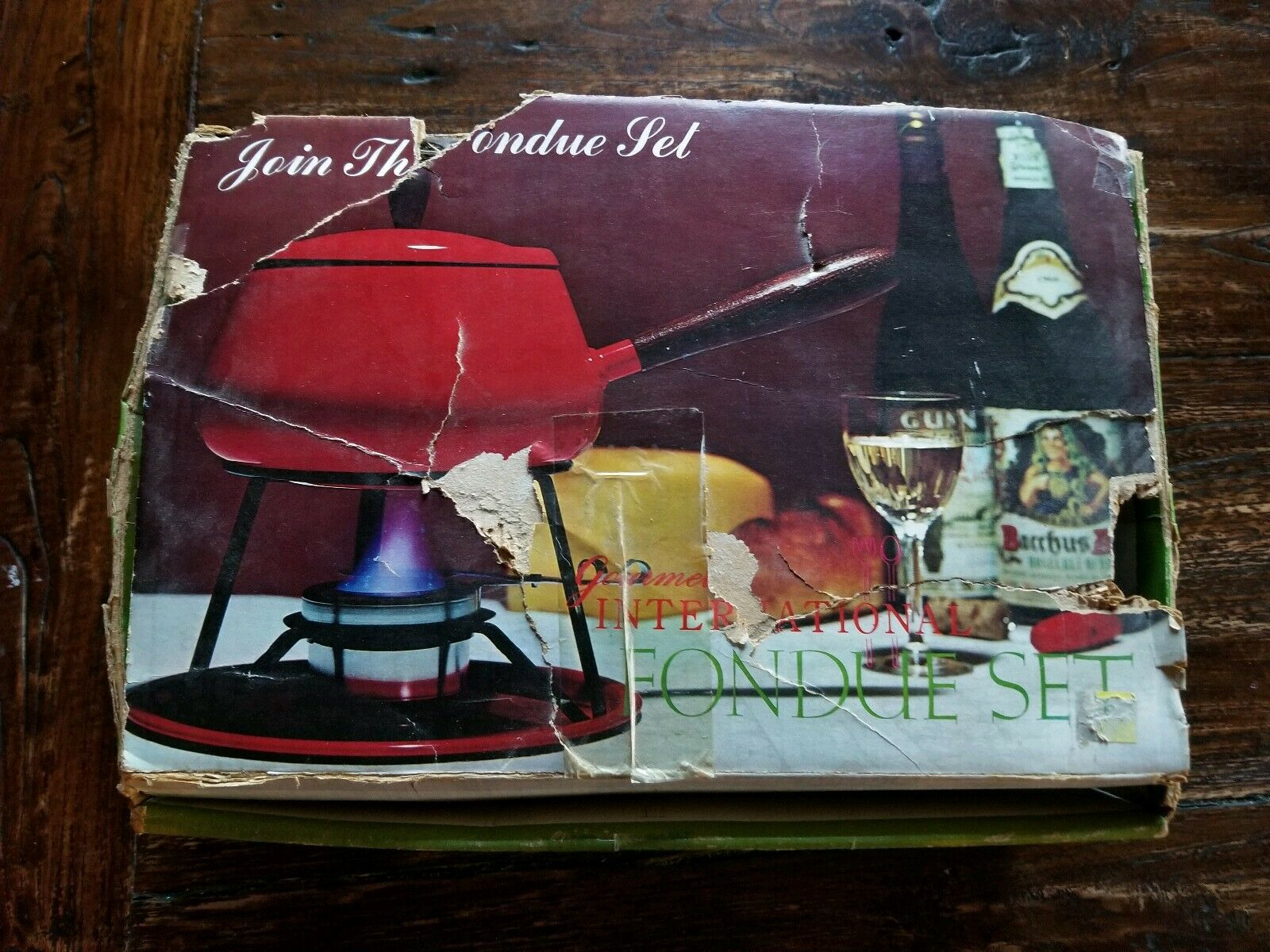 New Vintage Gourmet International Fondue Set - Yellow