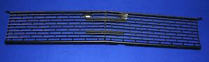 FORD-1966-Mustang-Front-Grille-Assembly-Dynaron-part-M3627