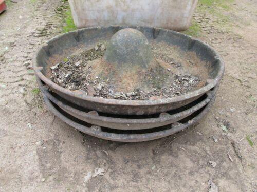 Vintage cast iron Mexican hat pig trough feeder//bird bath//chicken feeder