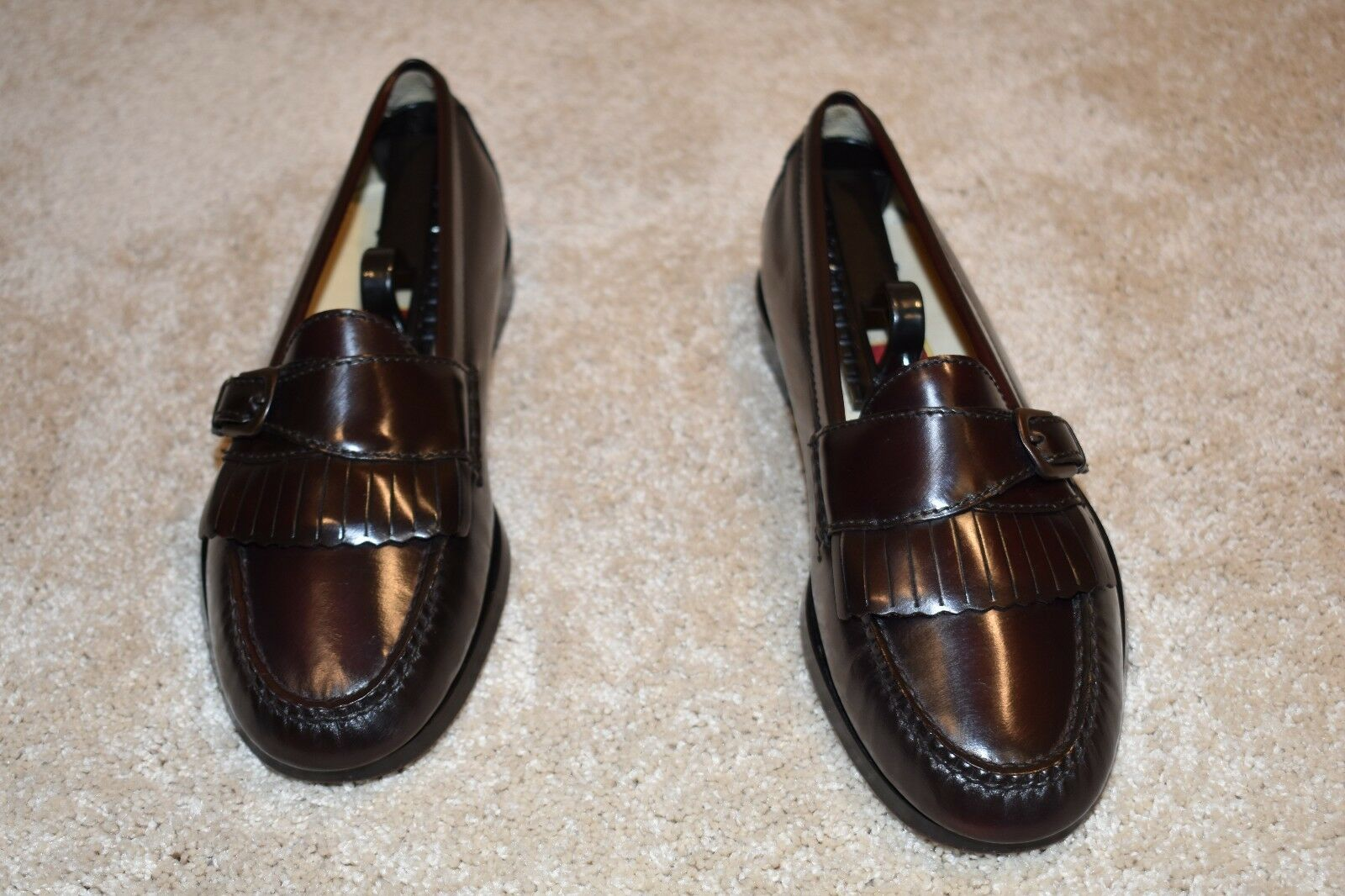 GORGEOUS COLE HAAN LOAFERS 7 D