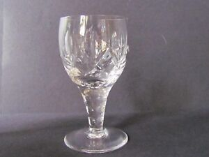 STUART-CRYSTAL-CARLINGFORD-3-034-LIQUEUR-GLASSES-Ref4105