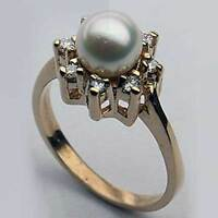 14kt Gold Pearl Ring With Diamonds