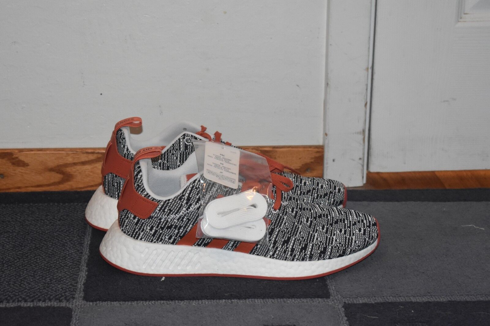 NEW Adidas NMD R2 JD Sports Sports Sports orange and Grey Men's Running shoes Size 11.5 BY2098 994dee