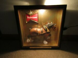 1960-039-s-BUDWEISER-3-D-CLYDESDALE-HORSE-lighted-SHADOW-BOX-sign-CLEAN