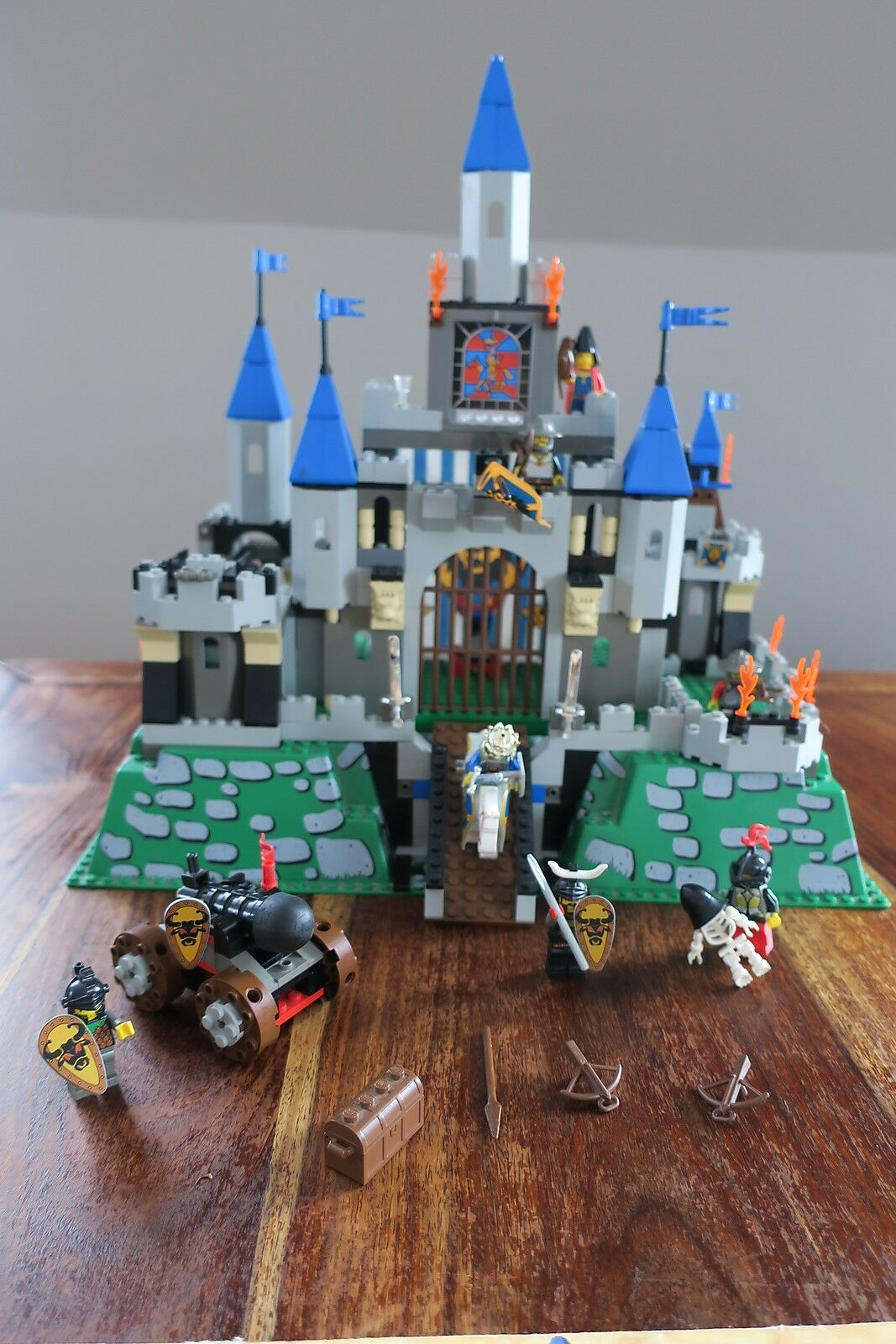 Lego 6098 6091 Castle Fortified of King   KING'S Leo Casttle
