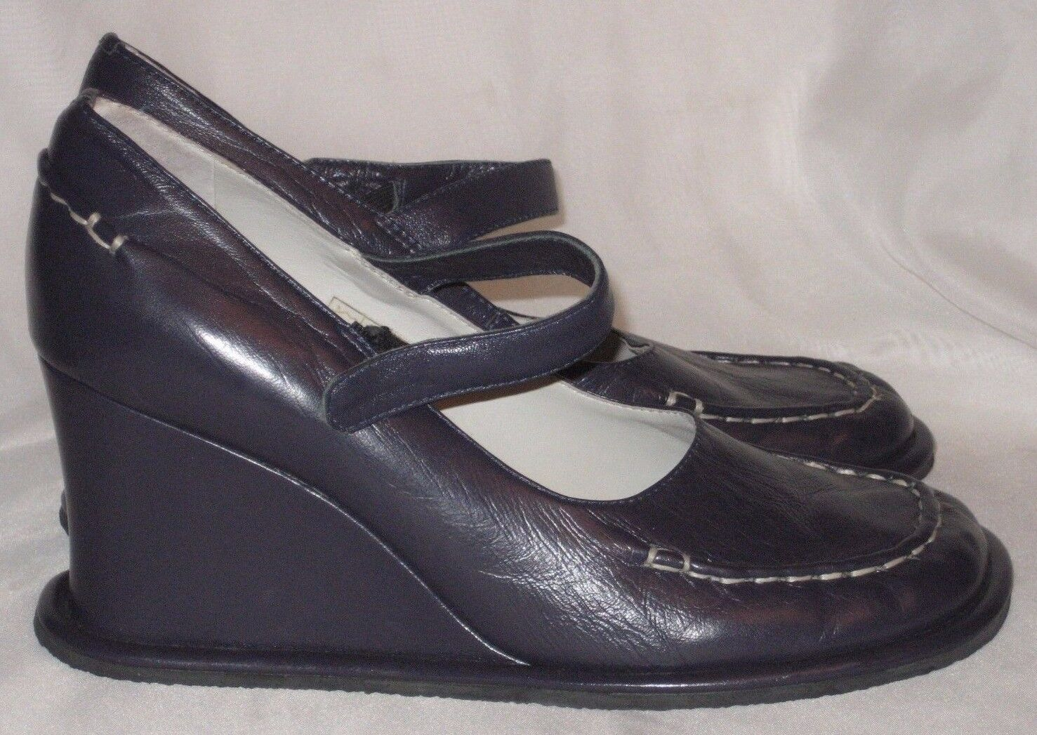 KAJU by A.G. Giraudon Eggplant Leather Mary Janes Sz 37 EU Excellent Condition