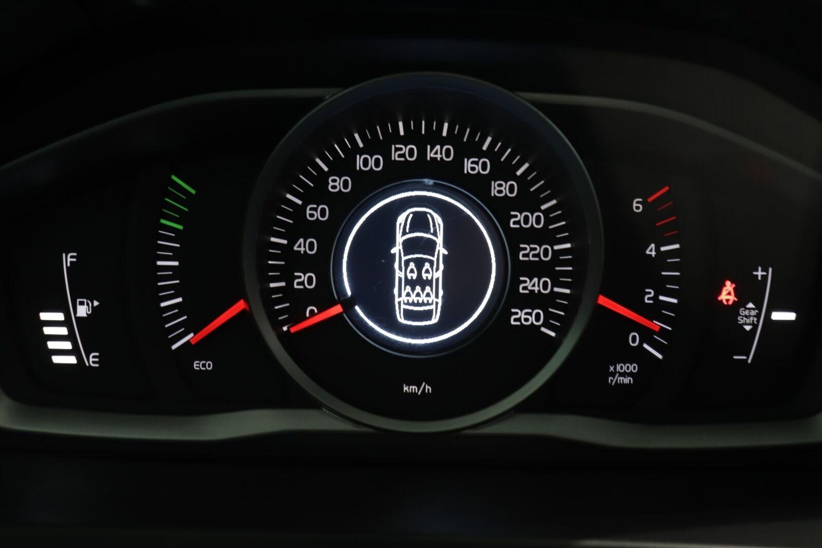 Volvo V60 CC D3 150 Momentum