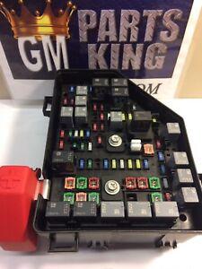 gm oem fuse box fuse relay box 20913284 ebay rh ebay com Packard Fuse Block GM Fuse Box Terminals