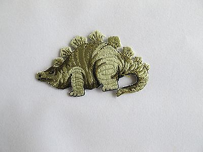 #2639sa Green Stegosaurus Dinosaur Animal Embroidery Applique Patch-s Een Lang Historisch Aanzien Hebben
