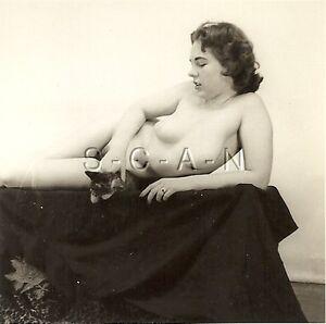 vintage 1940s nude woman