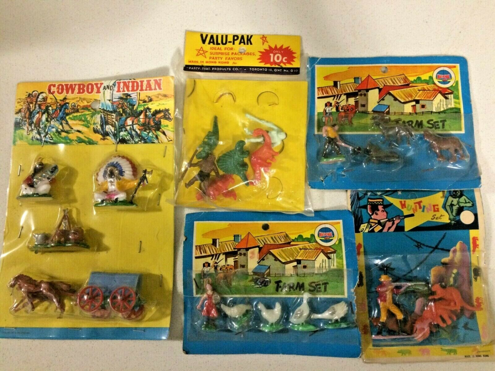 Cowboy & Indian  and farm set and Hunting set old toys 1960 made in Hong kong