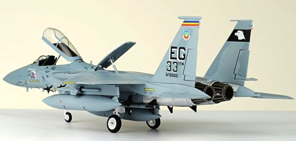 JC WINGS 1 72 F-15C EAGLE 33RD TACTICAL FIGHTER WING DESERT STORM - JCW72F15002