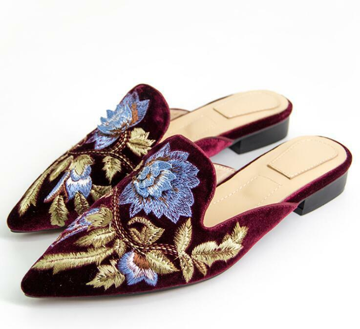 Stylish womens embroidery floral pointy toe flat heel Scuffs Mules slipper shoes