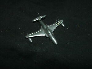 Dinky-70f-733-Shooting-Star-Jet-Fighter-Plane