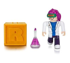 Roblox Series 1 Gold Mystery Figurine Set Of 2 With Virtual Item