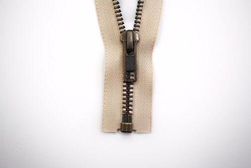 YKK Reißverschluss 1 Weg teilbar 5mm hellbeige 65 cm Metall Metallzähne