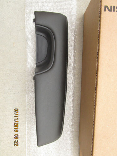 07-10 NISSAN ALTIMA FRONT DRIVER SIDE INTERIOR DOOR HANDLE ARM RESTER OEM 9HA1A
